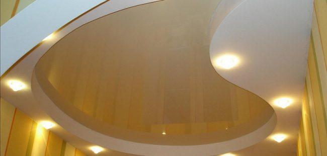 Подвесной потолок изготовленный из гипсокартона
